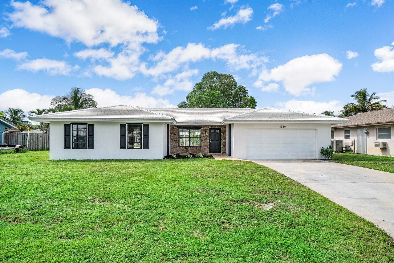 1350 SW 26th Avenue  For Sale 10749143, FL