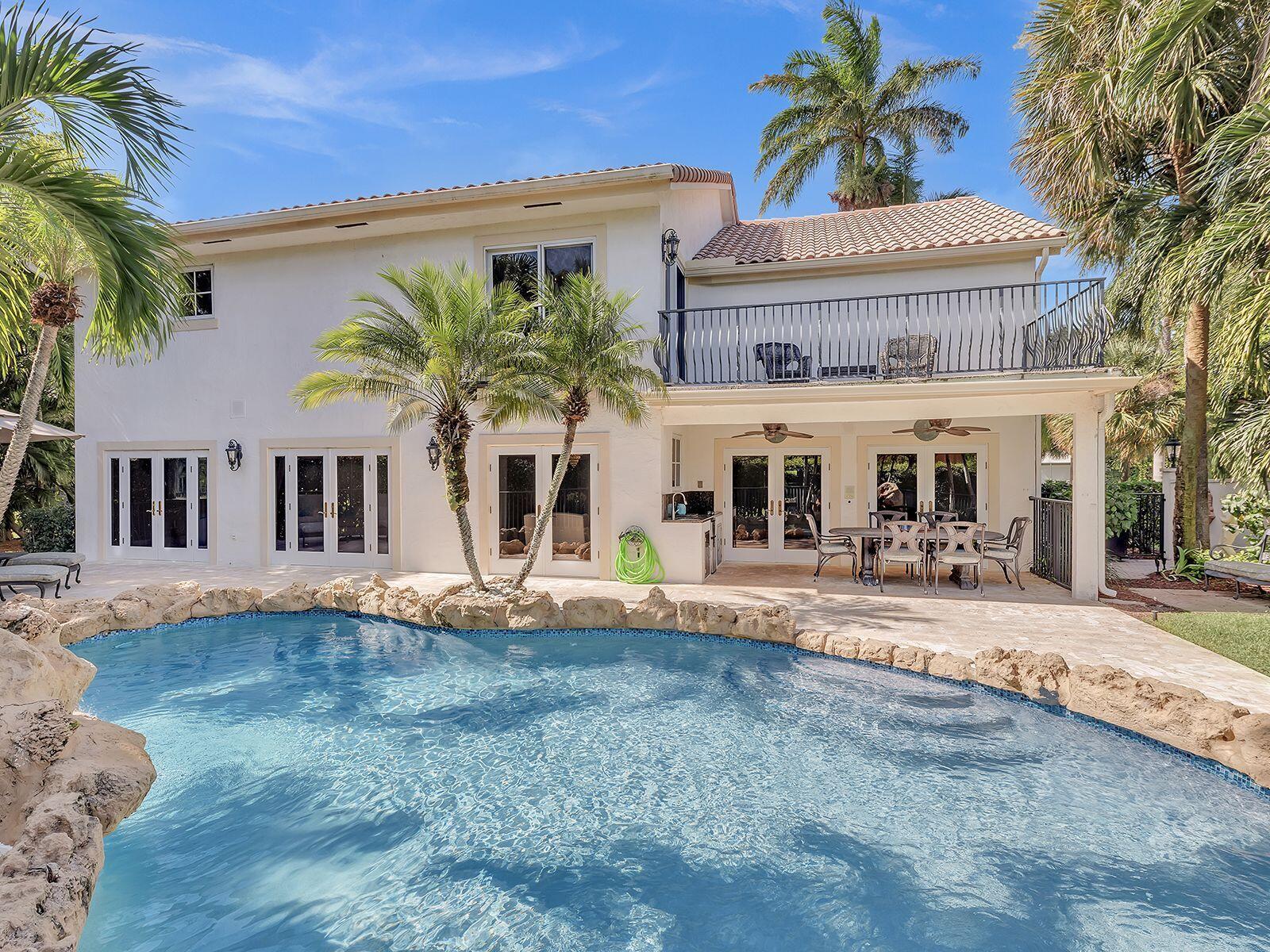 Pool-Balcony