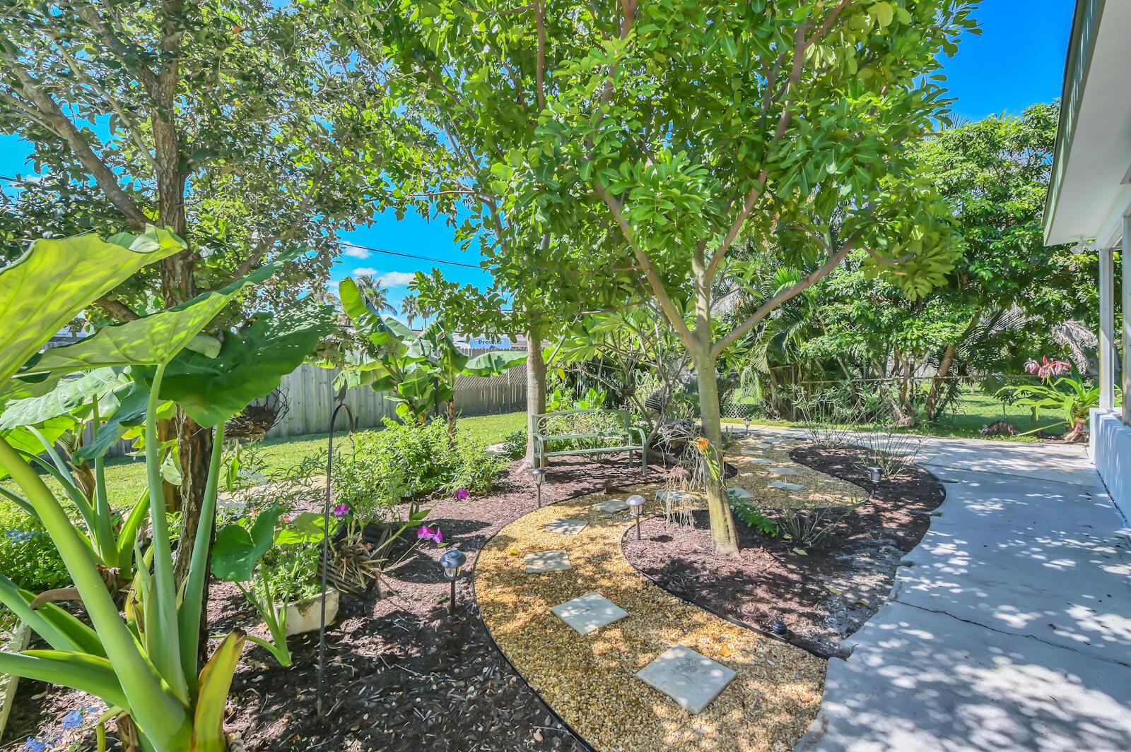 149 Cayman Drive Palm Springs, FL 33461 photo 21