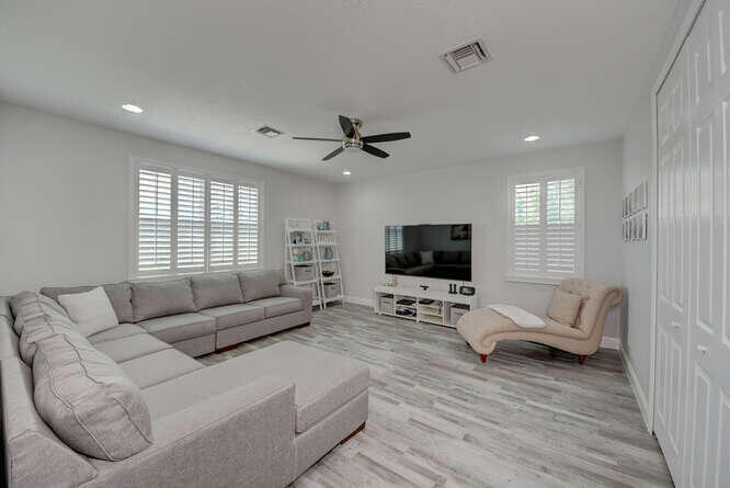 1633 SW Gopher Trail Palm City-small-048