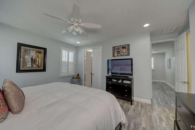 1633 SW Gopher Trail Palm City-small-039