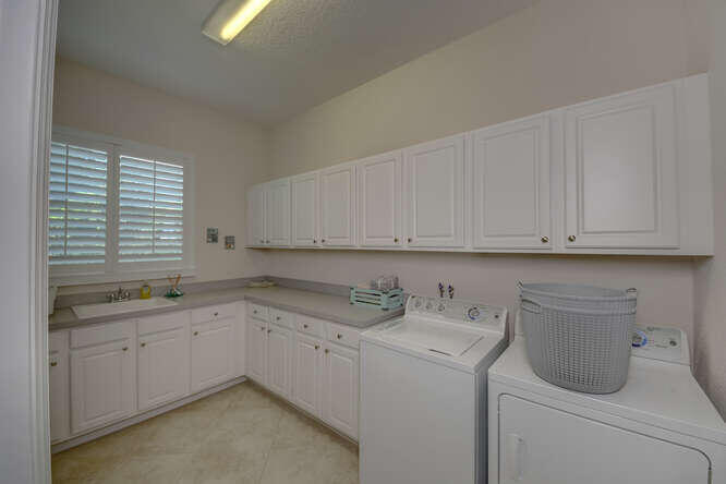 1633 SW Gopher Trail Palm City-small-033