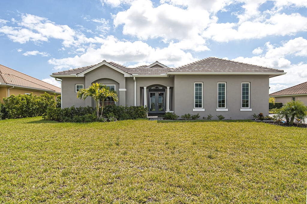 430 Stoney Brook Farm Court, Vero Beach, FL 32968