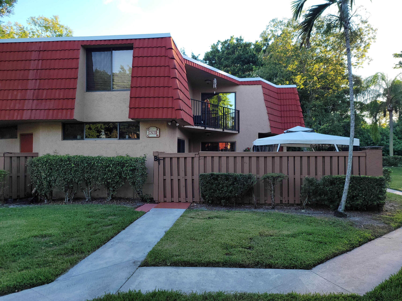 8261  Severn Drive B For Sale 10748820, FL