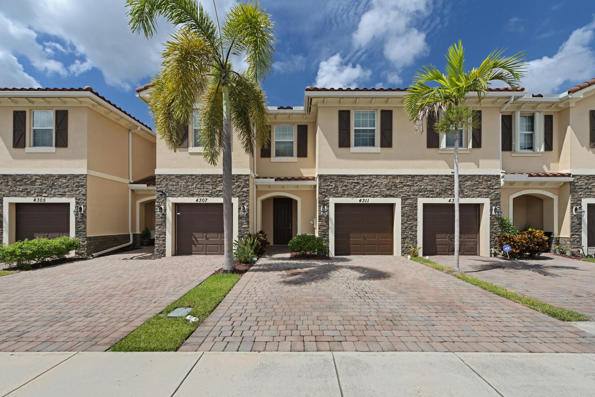 4311 Chalmers Lane West Palm Beach, FL 33417
