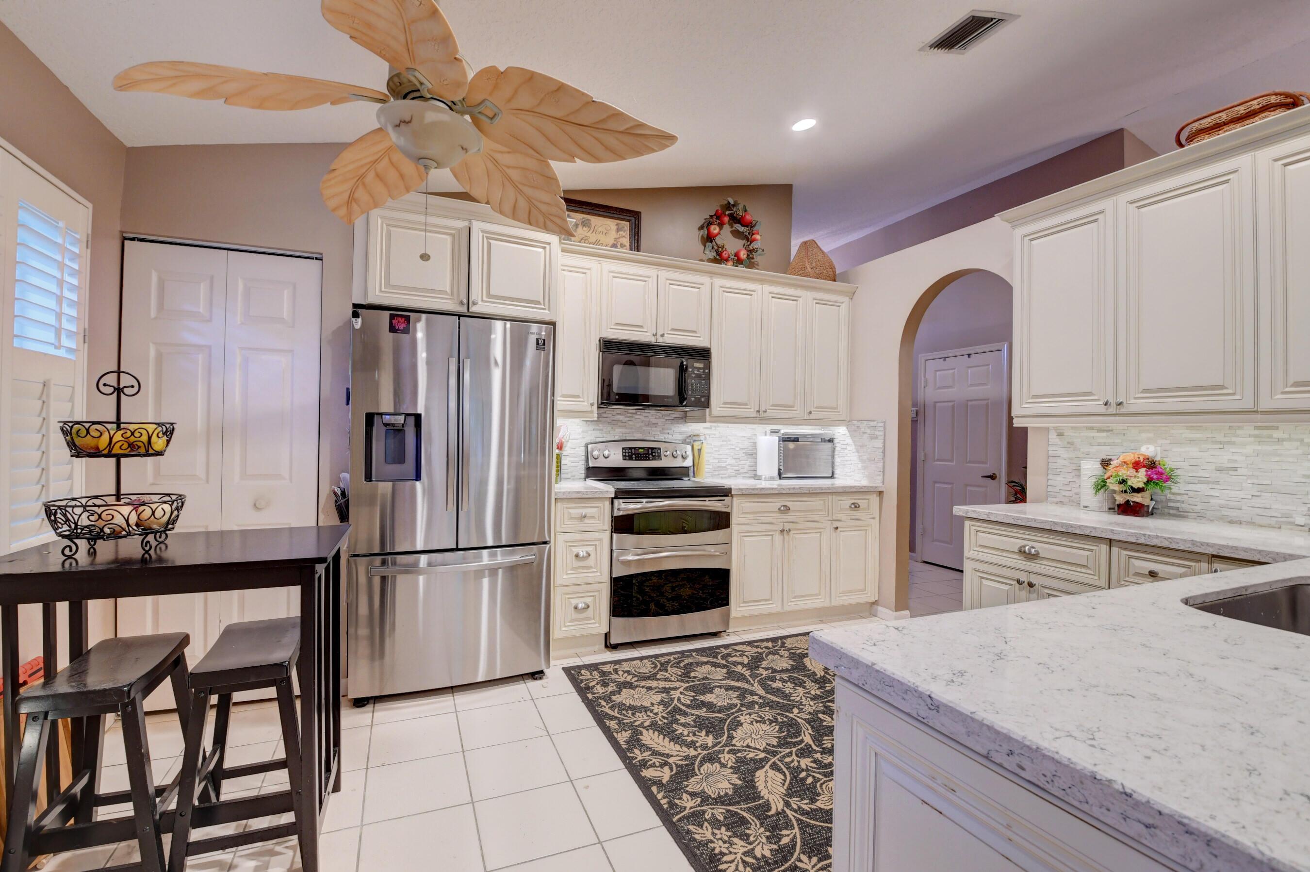 8745  Chunnel Terrace  For Sale 10746633, FL