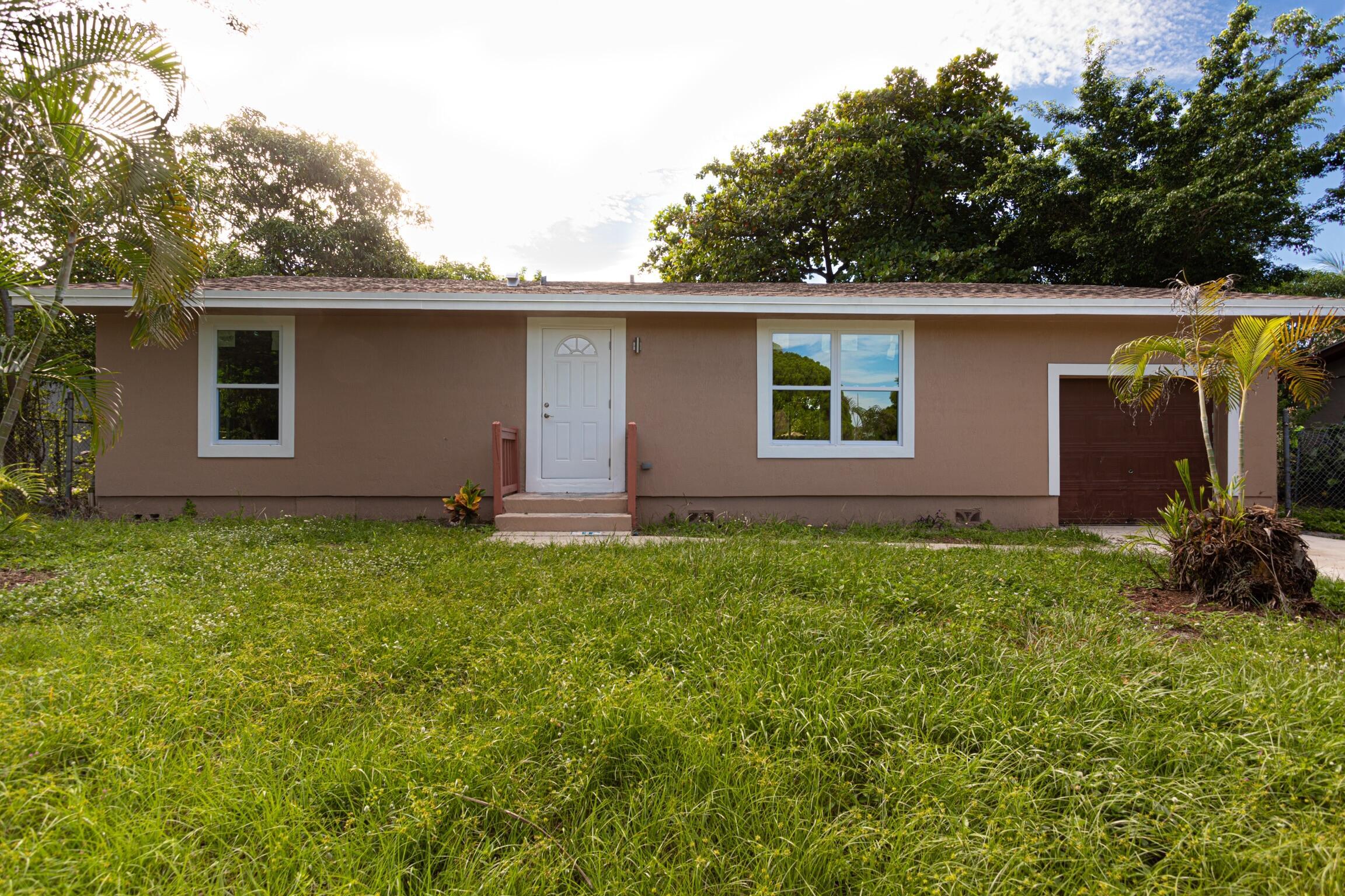 300  Lyman Place  For Sale 10742740, FL