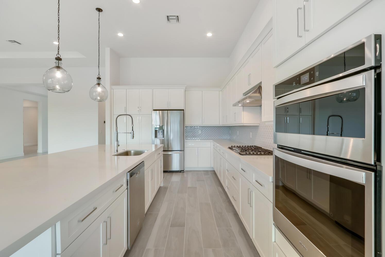 9916 Timber Creek Kitchen