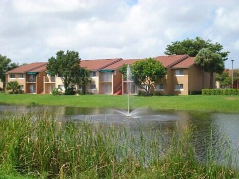 1189  Lake Victoria Drive B For Sale 10749219, FL