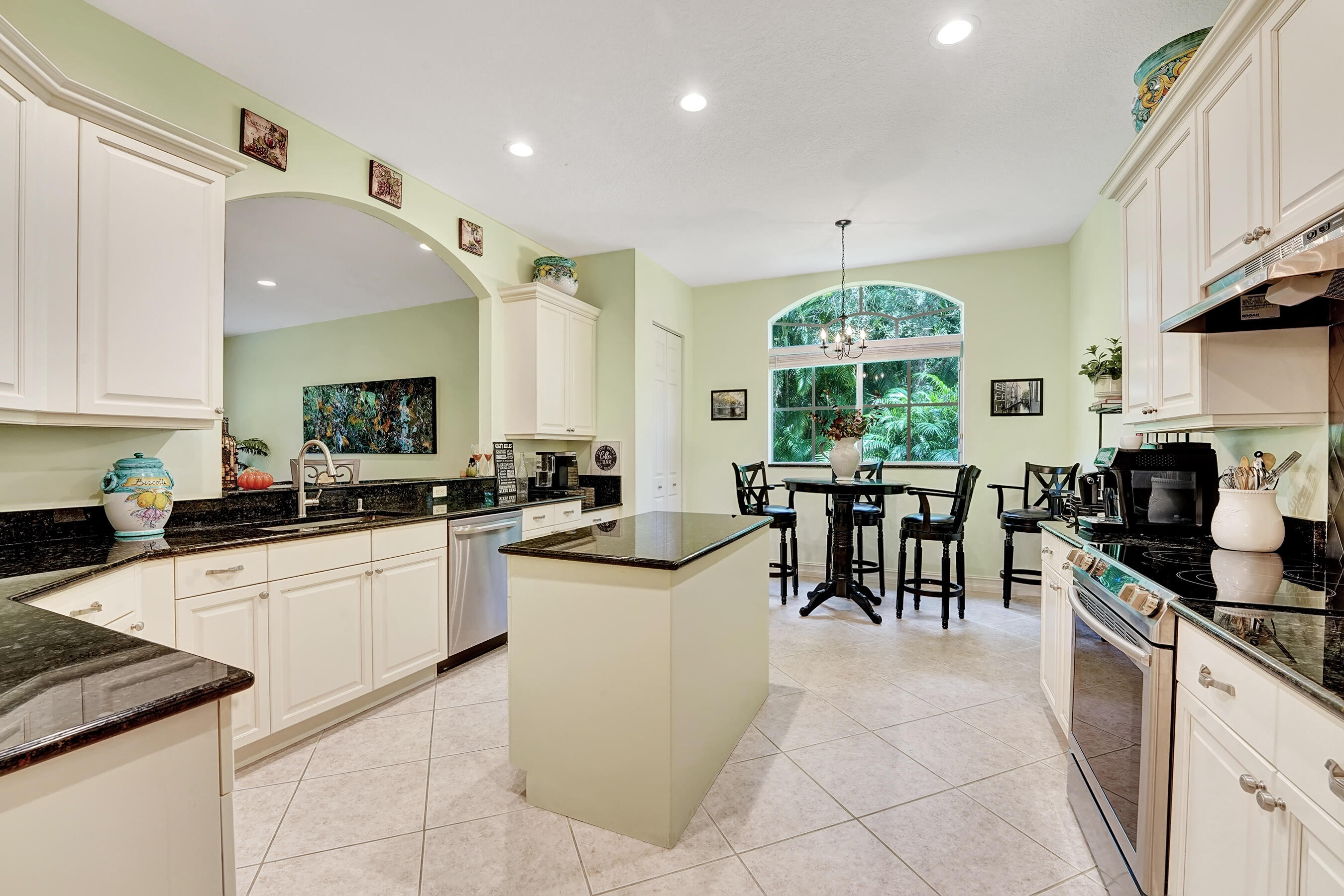 7506  Orchid Hammock Drive  For Sale 10749199, FL