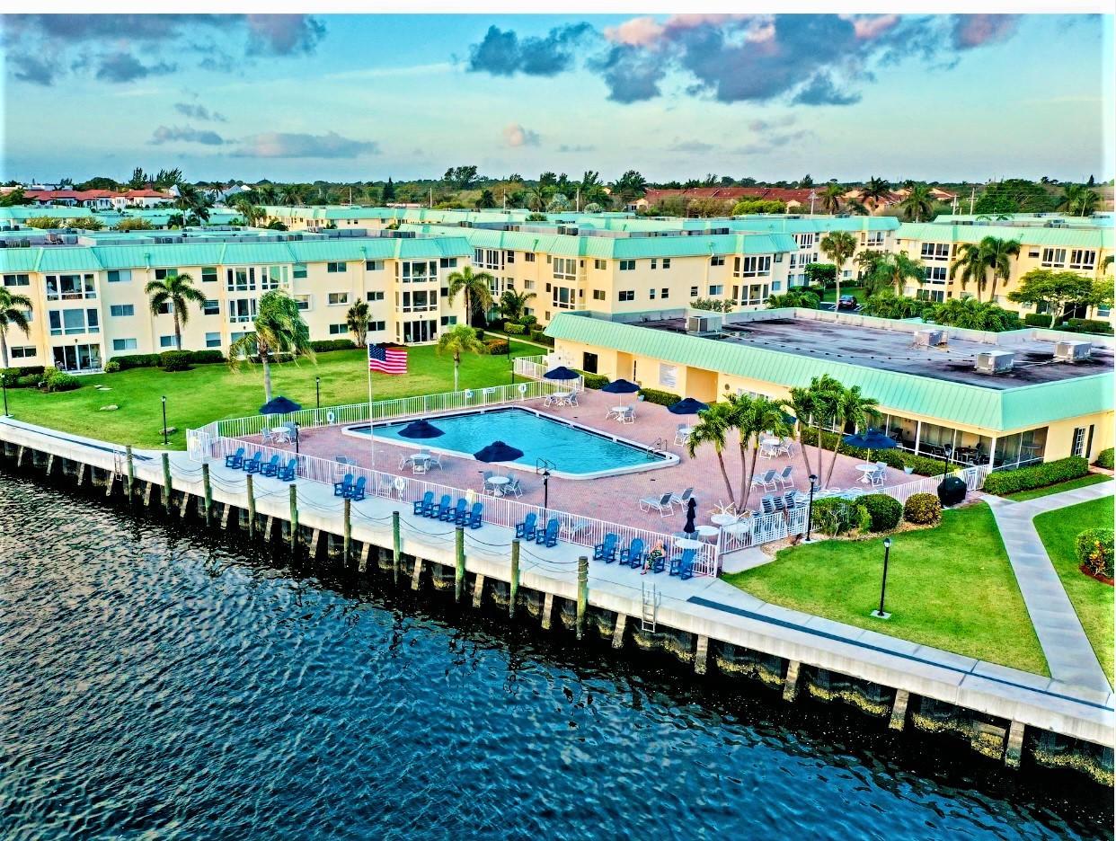 15 Colonial Club Drive 300 Boynton Beach, FL 33435