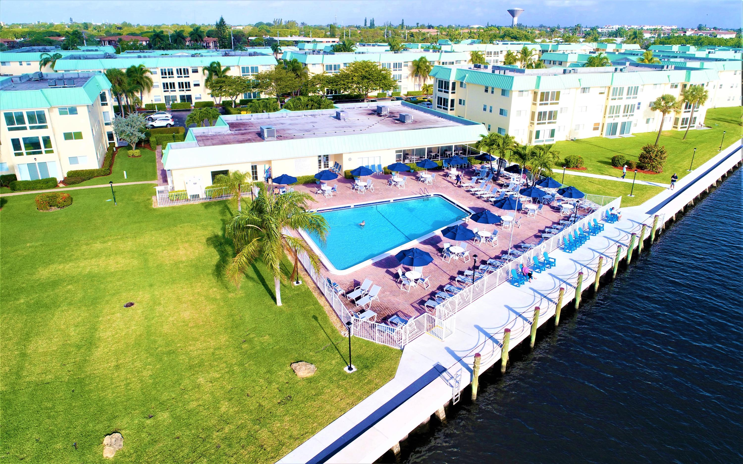 Clubhouse & Salt Water Pool