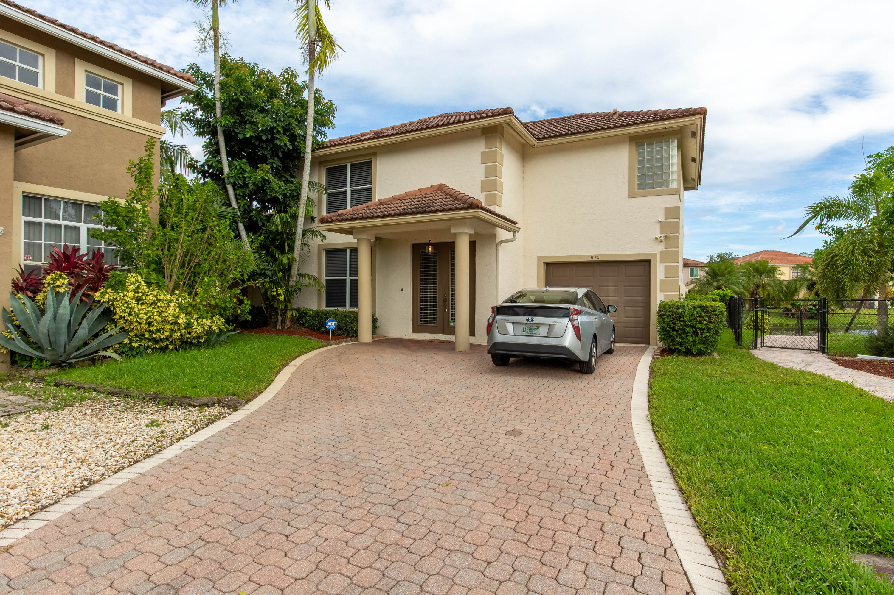 1830  Capeside Circle  For Sale 10749271, FL