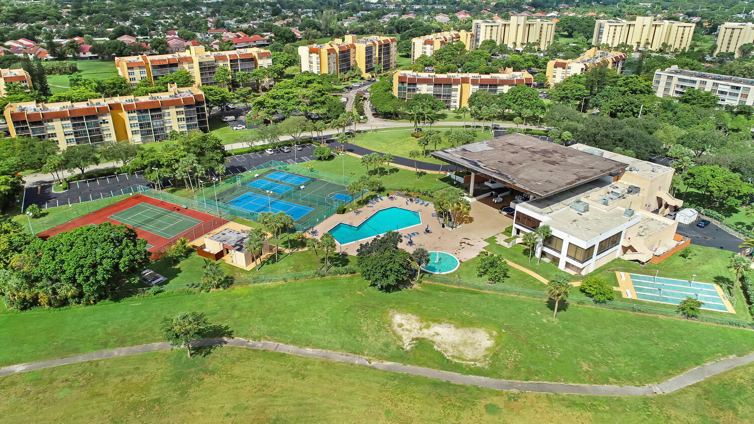 AERIAL OF CLUBHOUSE