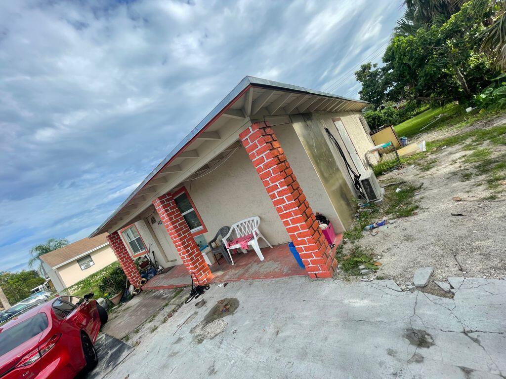 4636 Myrtle Lane West Palm Beach, FL 33417 photo 2