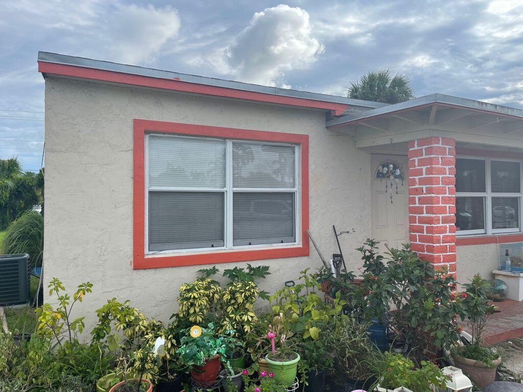 4636 Myrtle Lane West Palm Beach, FL 33417 photo 4