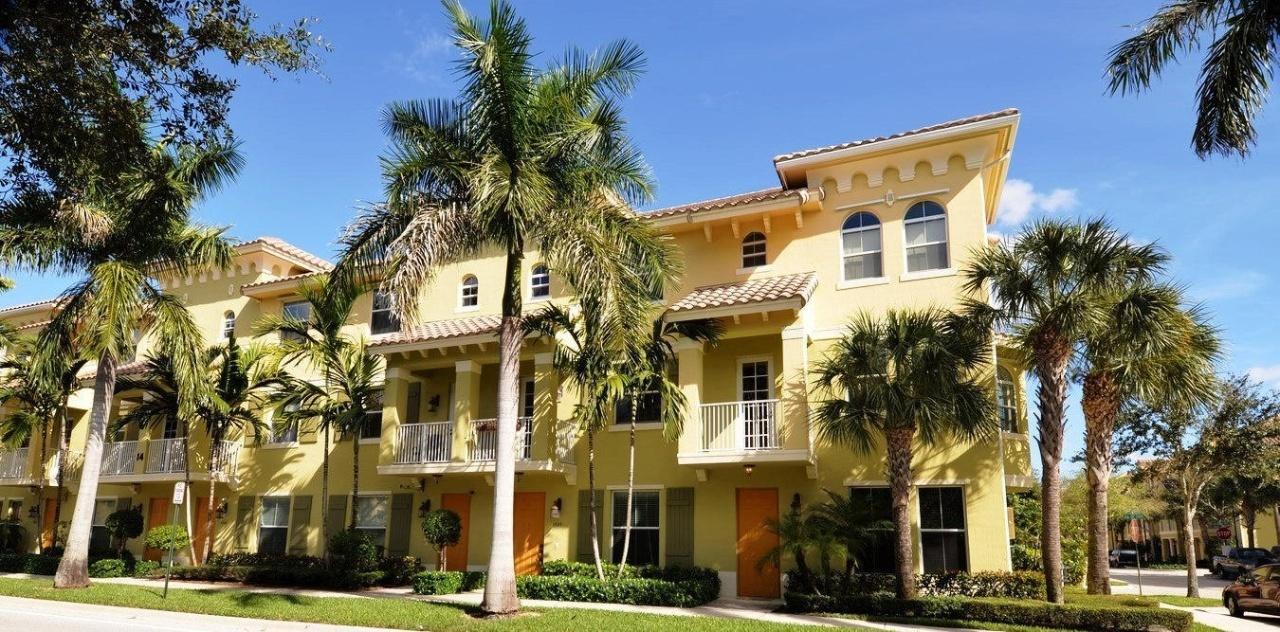 1525 Via De Pepi Boynton Beach, FL 33426