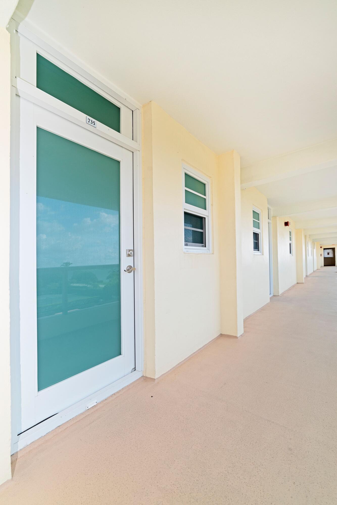 735 FRONT DOOR