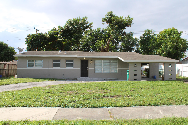 Home for sale in CAROL CITY LAKE STEVEN ESTATES Miami Gardens Florida