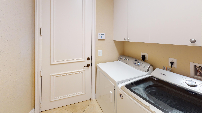 11904-Foxbriar-Lake-Trail-Laundry