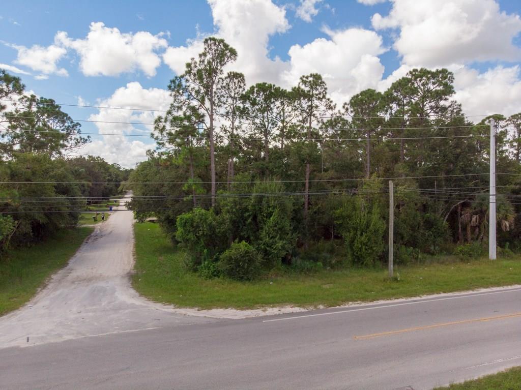 Home for sale in TROPICAL VILLAGE ESTATES Fellsmere Florida