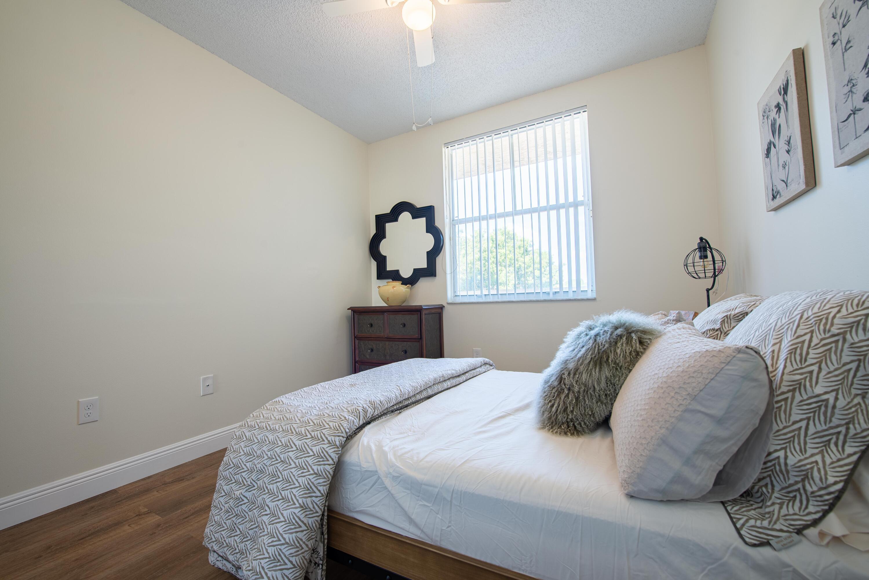 2 Bedroom 1 (4)