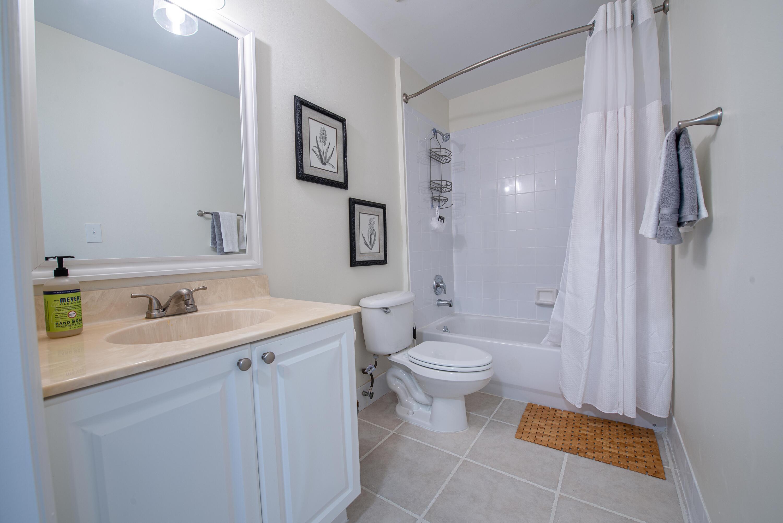 4 Bathroom 1 (1)