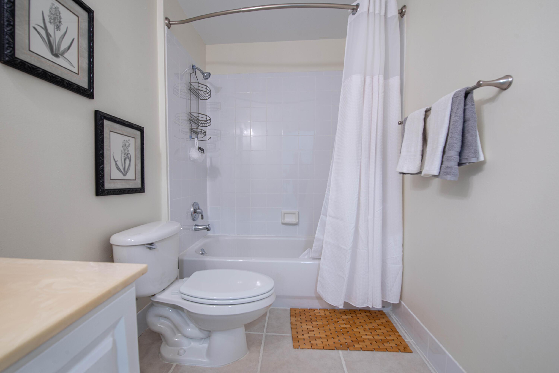 4 Bathroom 1 (3)