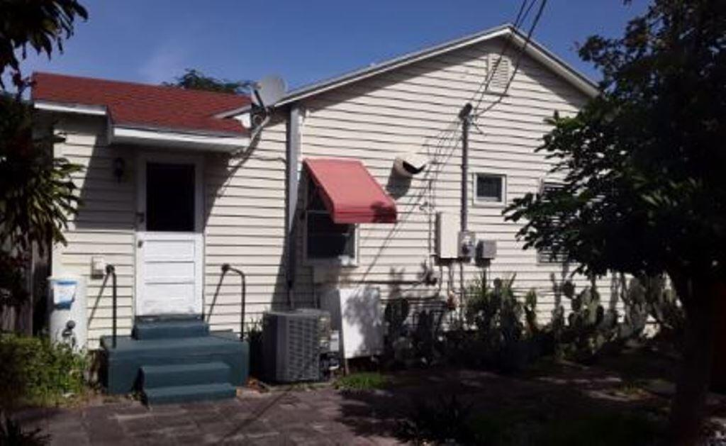 718 44th Street West Palm Beach, FL 33407 photo 3