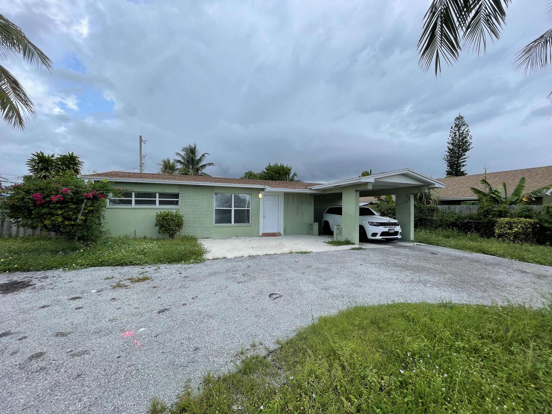 2771 N Seacrest Boulevard  For Sale 10750065, FL