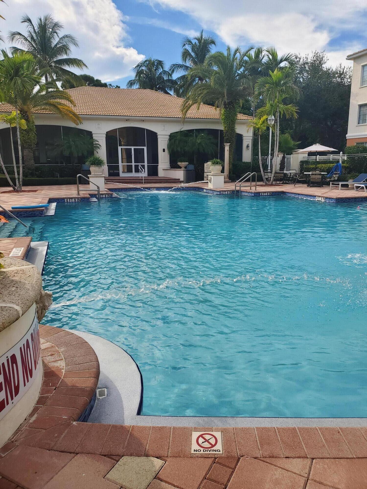 2305 Myrtlewood Circle Palm Beach Gardens, FL 33418 photo 9