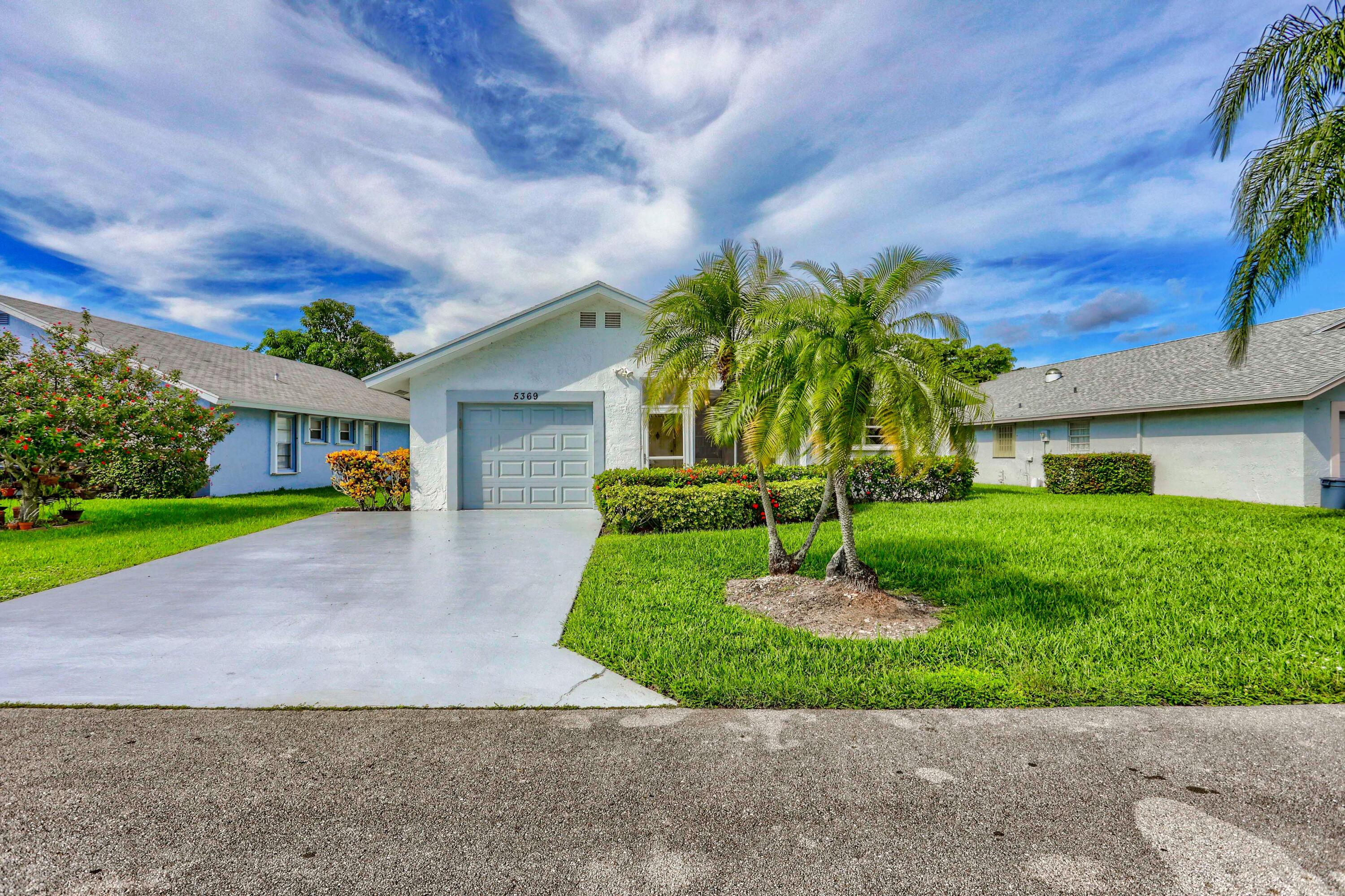 5369  Crystal Anne Drive  For Sale 10750196, FL