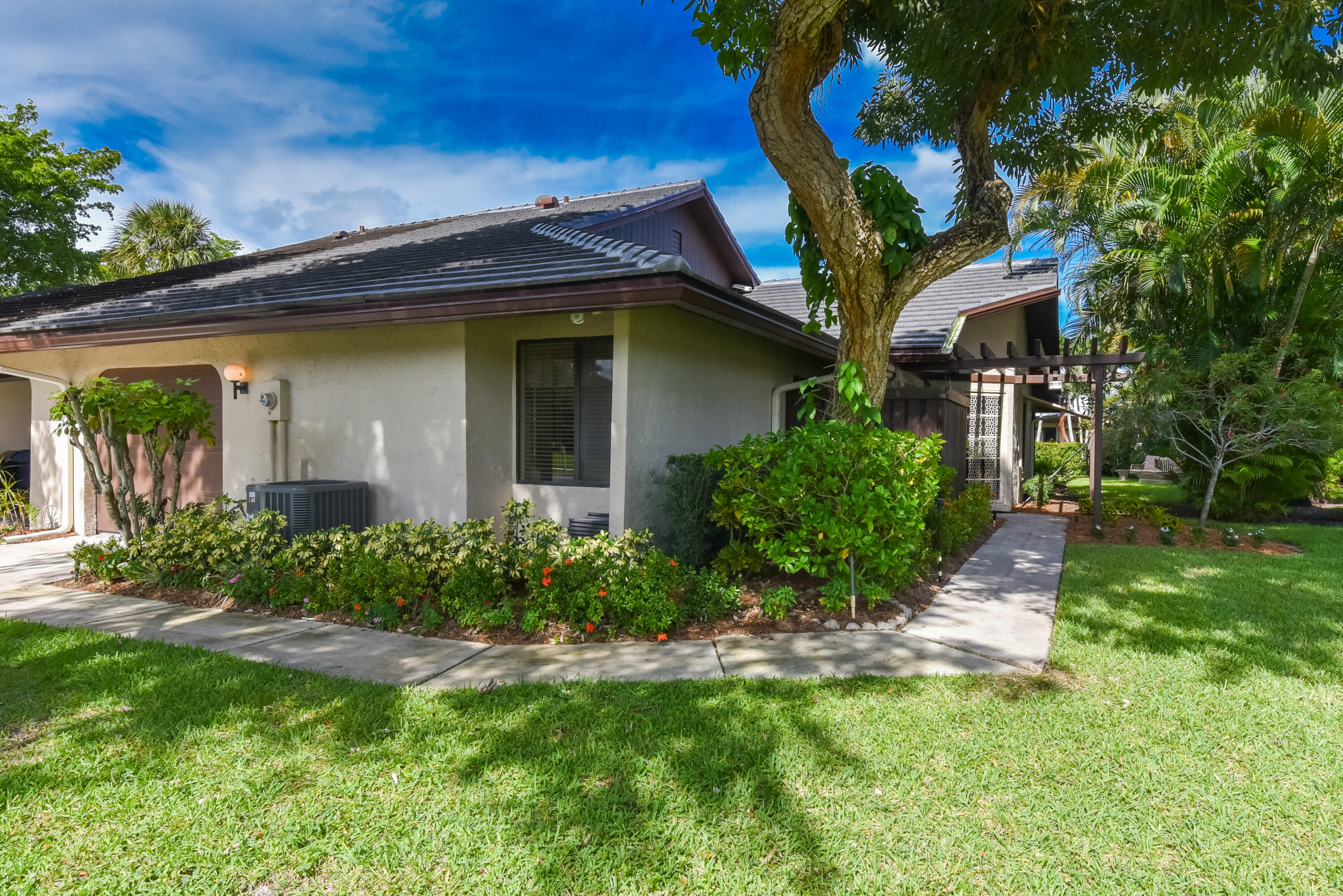 5051  Pine Drive  For Sale 10750332, FL