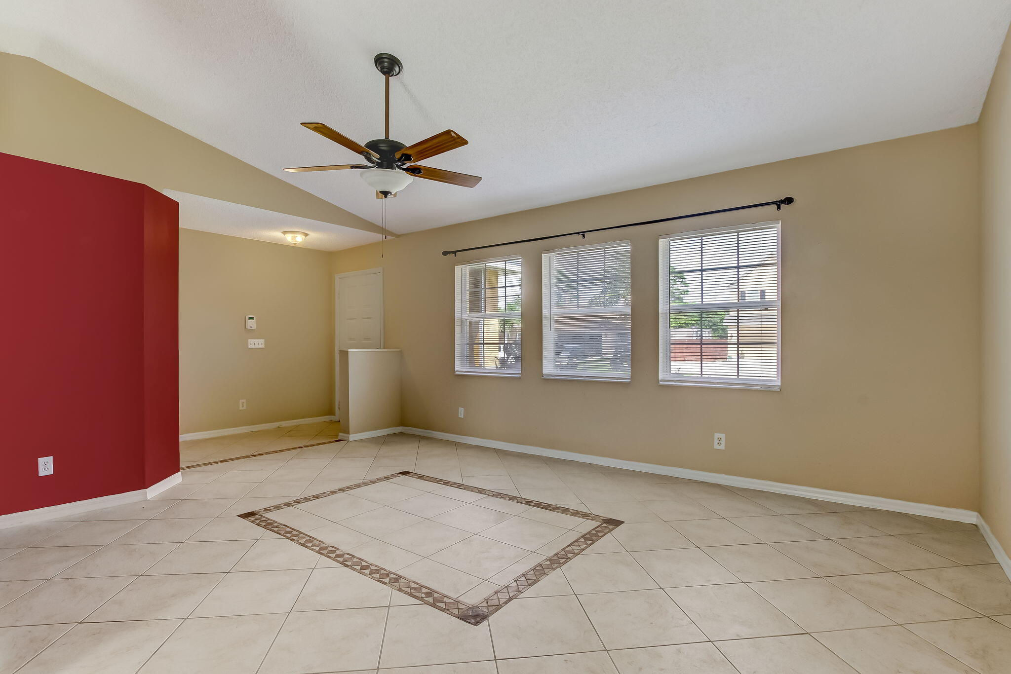 3-web-or-mls-3_1002 SW Charcoal Ave