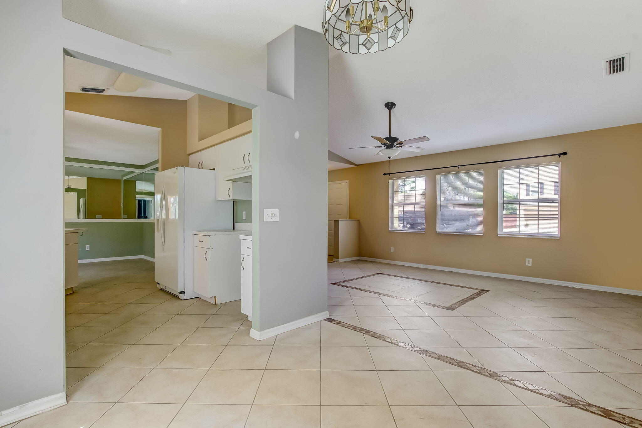 4-web-or-mls-4_1002 SW Charcoal Ave