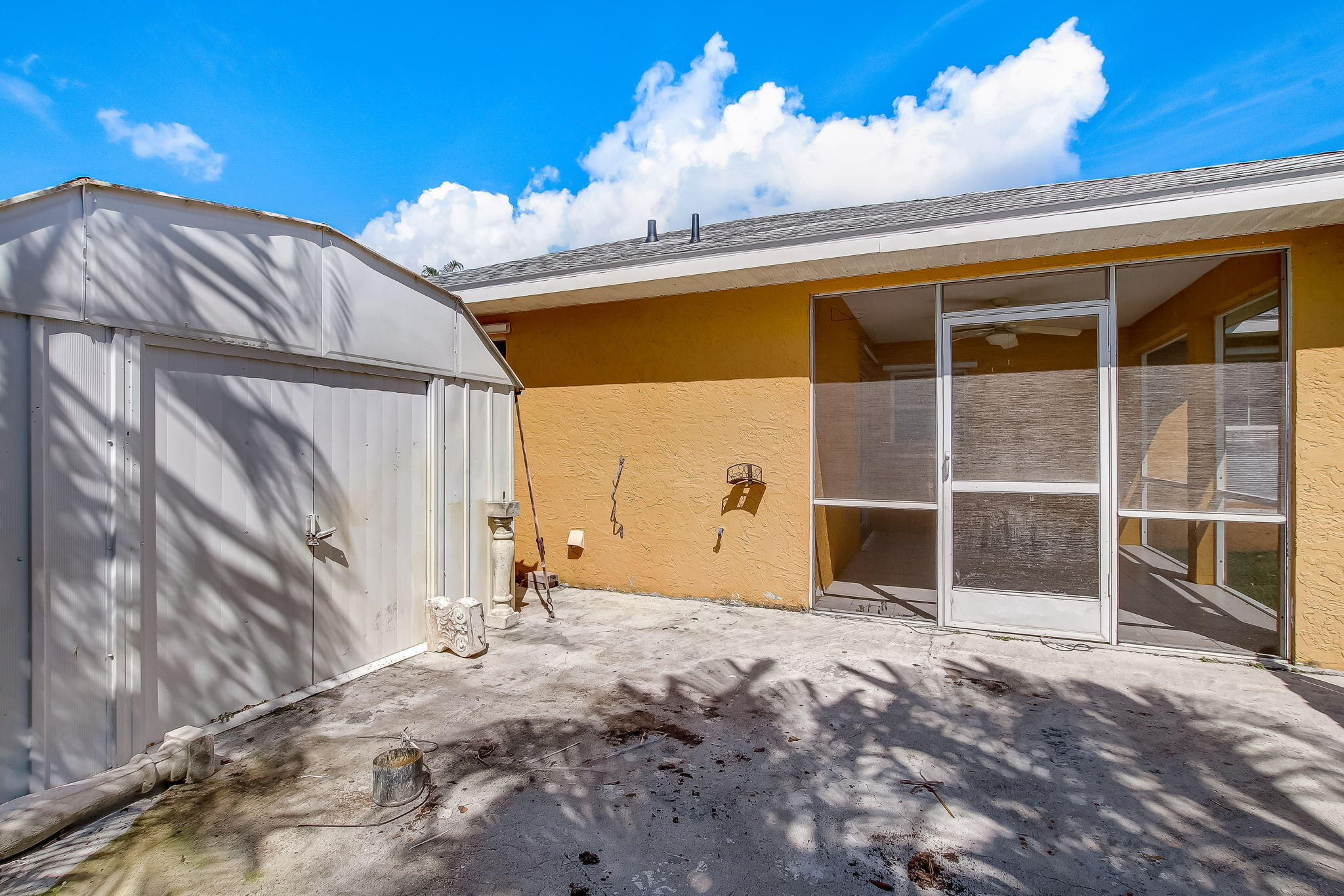 23-web-or-mls-23_1002 SW Charcoal Ave