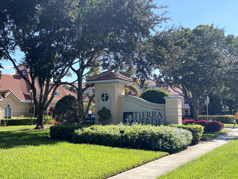 2018  Alta Meadows Lane 405 For Sale 10751768, FL