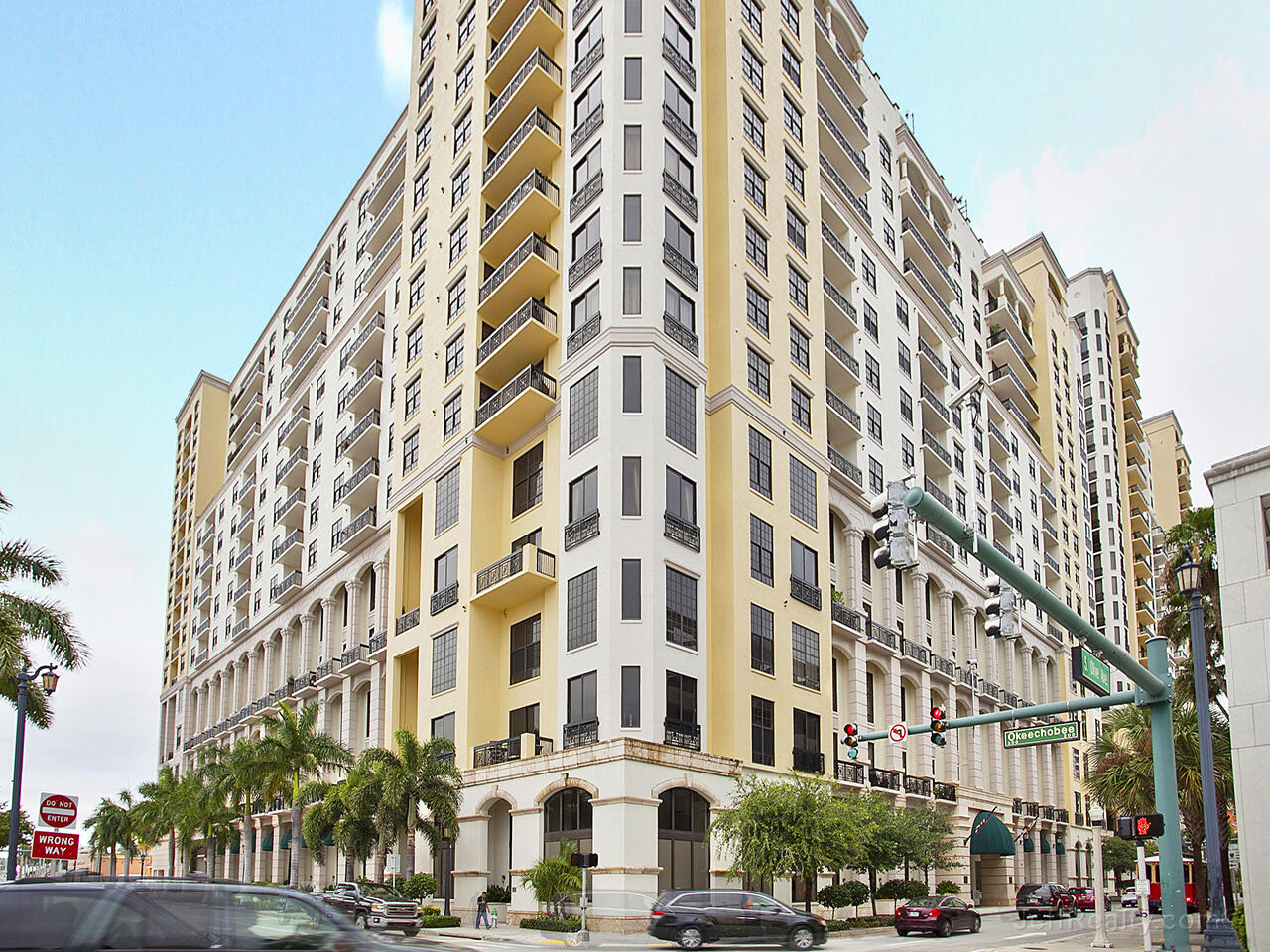 801 S Olive Avenue 1617 For Sale 10750227, FL