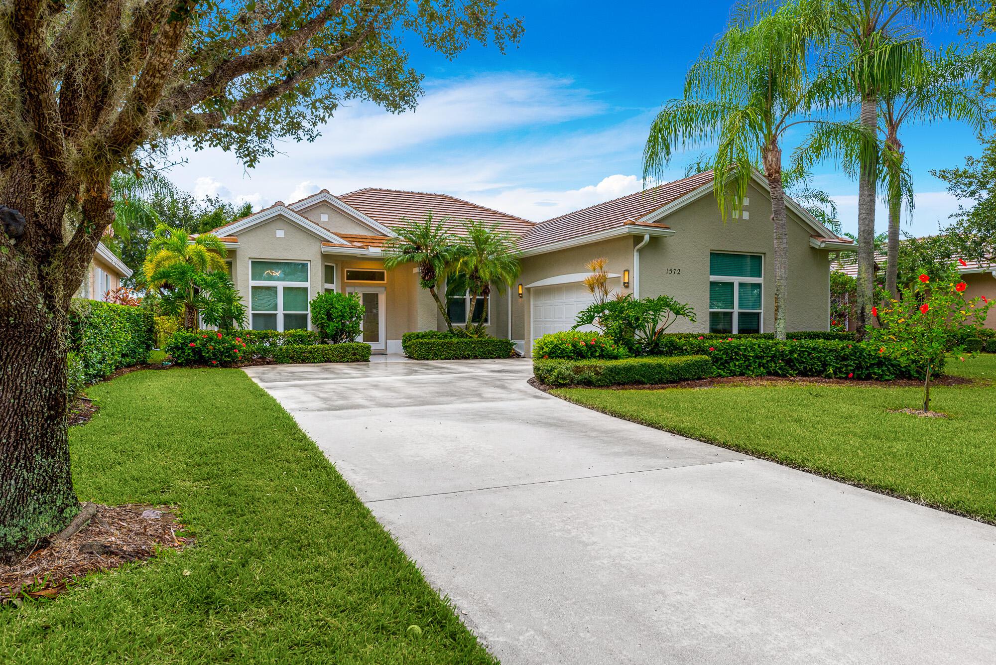 1572 SW Monarch Club Dr, Palm City, FL 3