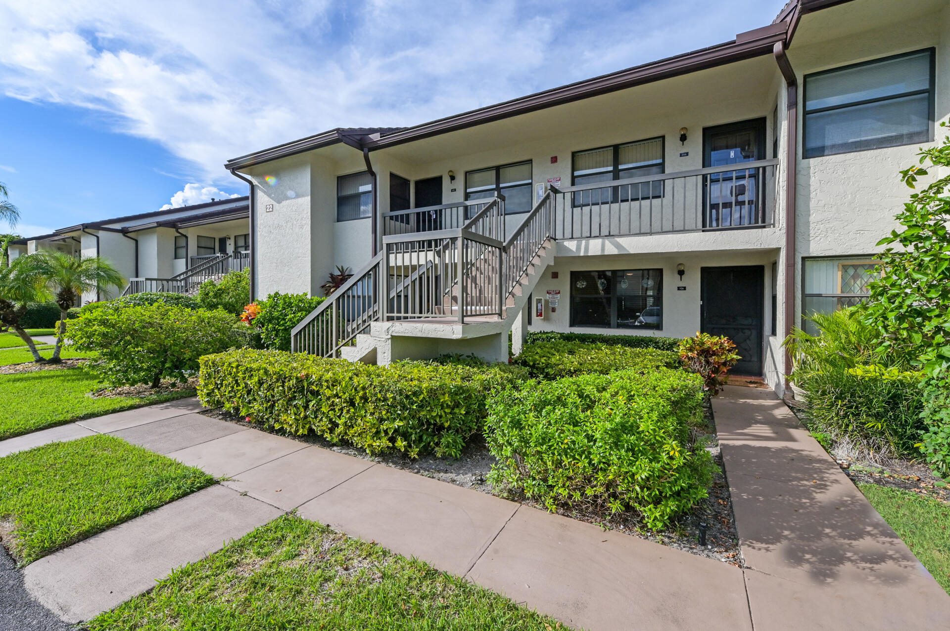 7641 Tahiti Lane 106 Lake Worth, FL 33467 photo 2