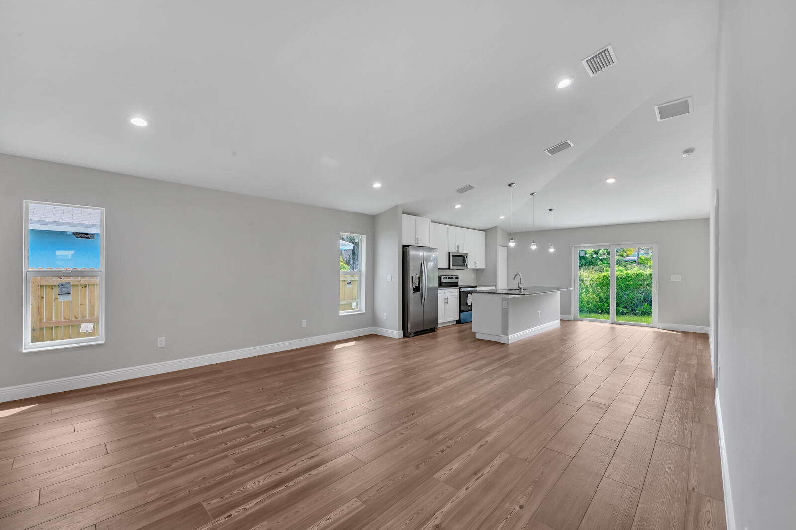 06  Living room 03