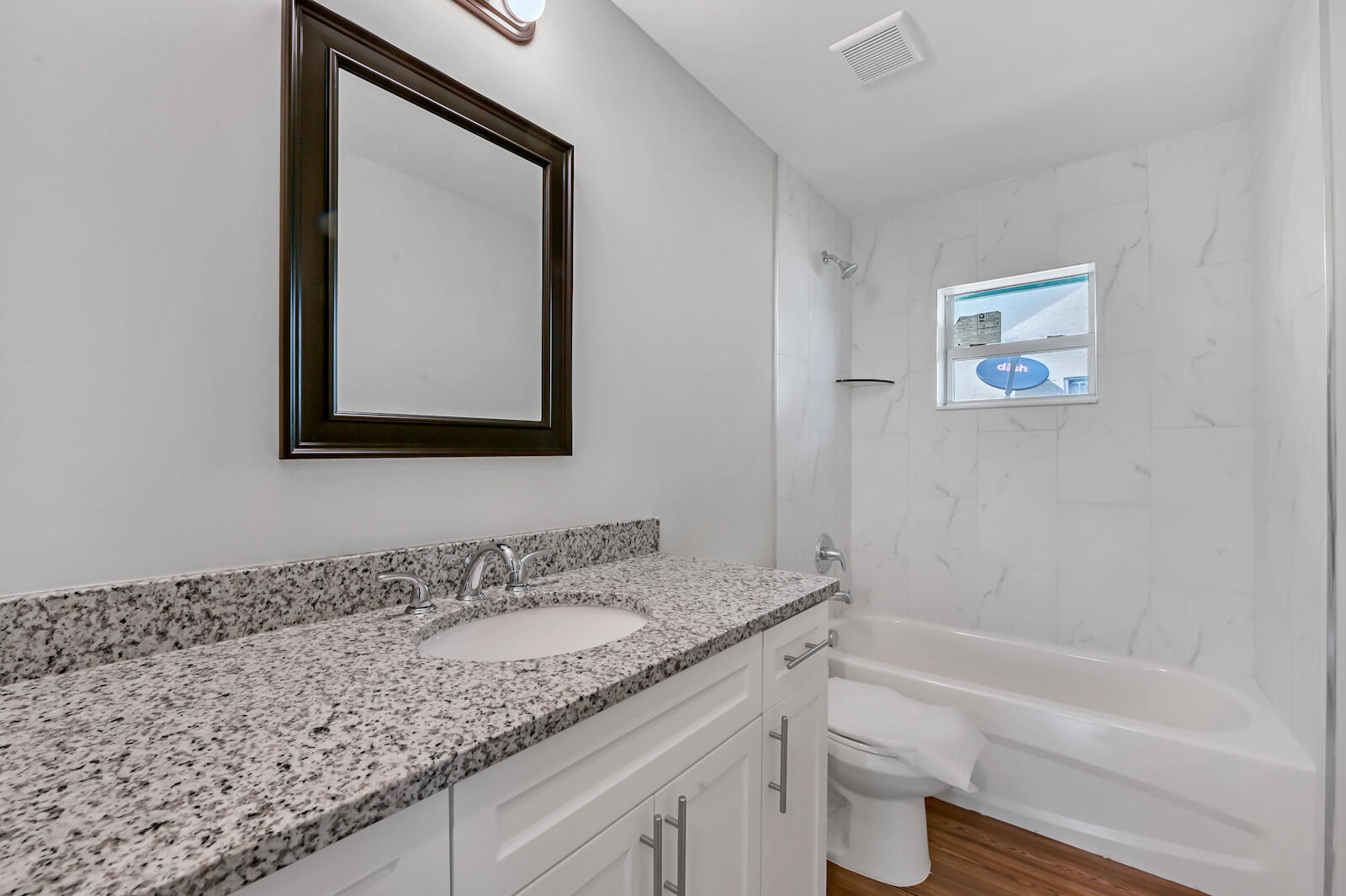15 Bath room 01