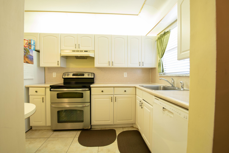 2 Kitchen (1)