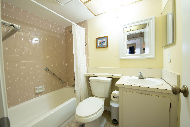 5 Bathroom 1 (1)
