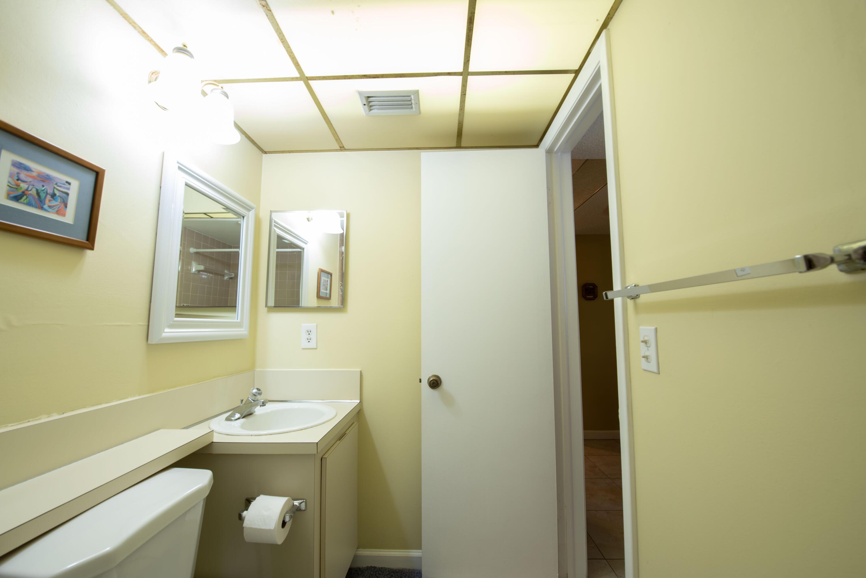 5 Bathroom 1 (2)