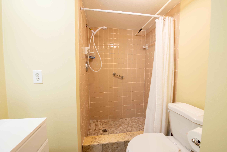 7 Bathroom master room (3)
