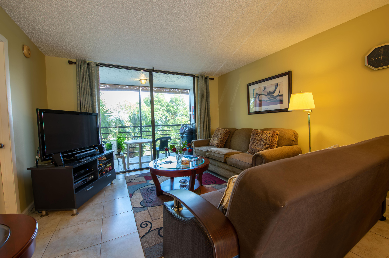 8 Living Room (1)