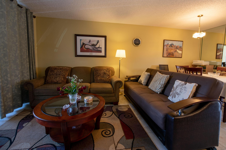 8 Living Room (3)