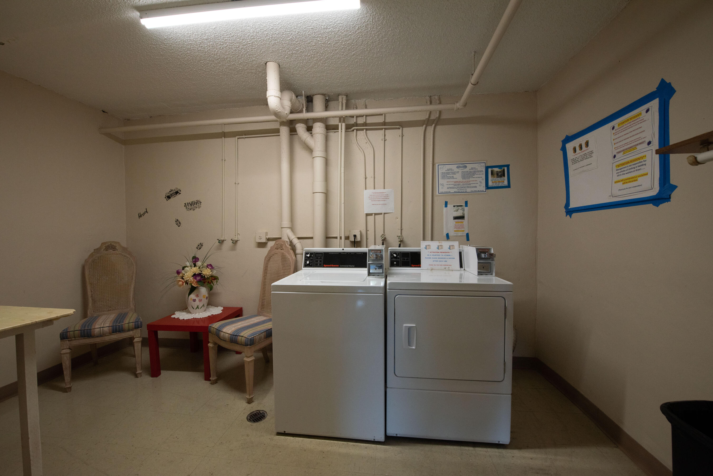 10 Laundry (3)