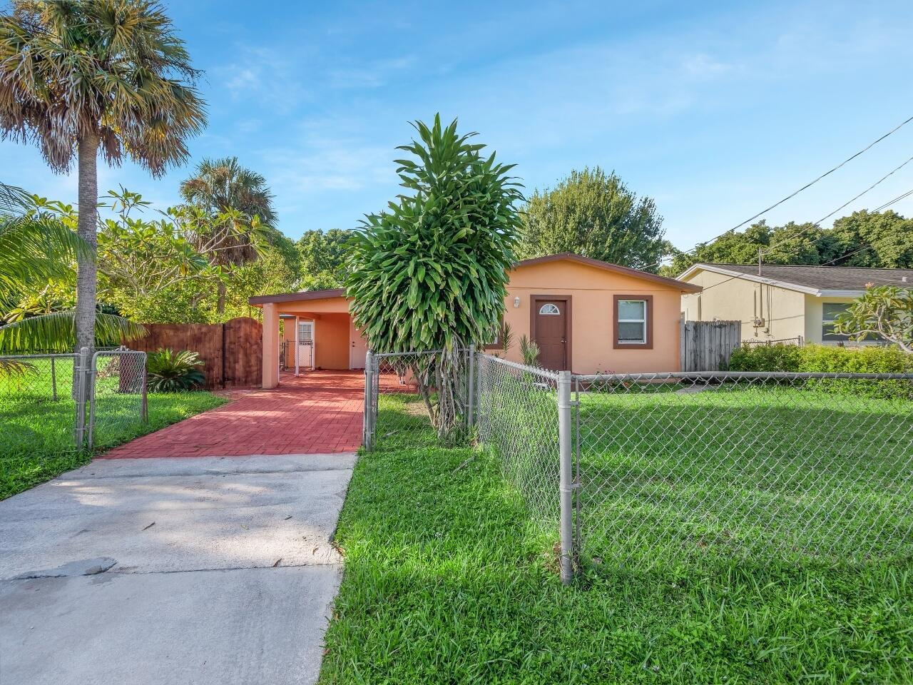 4782 Badger Avenue West Palm Beach, FL 33417